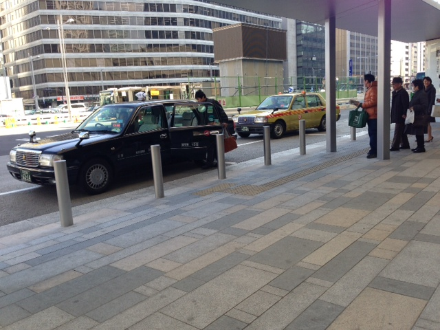 Taxi stand at Tokyo Station