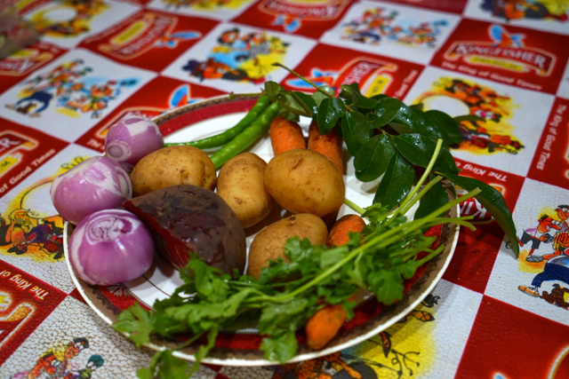 Vegetable ingredients:  100 gr boiled carrots 100 gr boiled beetroot 250 gr boiled potato 3 onions